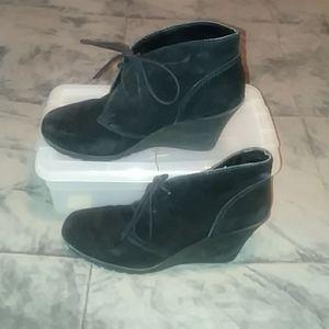 White mountain tie boots